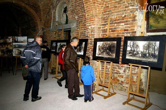 W pomieszczeniach dawnych wojskowych najczęściej organizowane są wystawy fotograficzne.