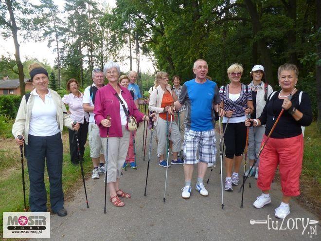 W popularyzację nordic walking aktywnie włączają się również studenci Uniwersytetu Trzeciego Wieku.
