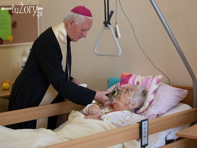 Święty wśród chorych. Żorskie hospicjum otrzymało relikwie Jana Pawła II, Artur Kłusek