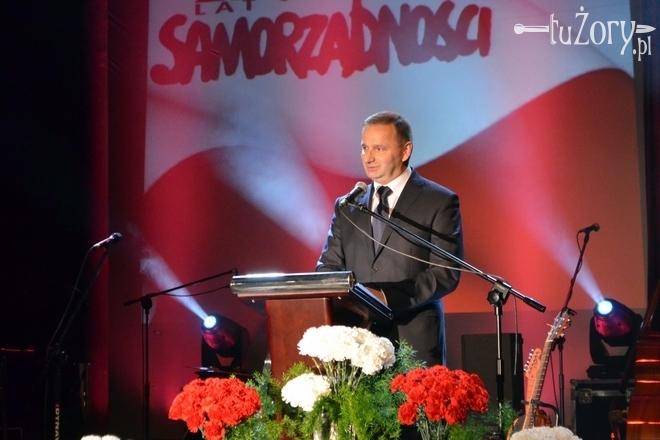 Waldemar Socha zwrócił uwagę na to, iż samorządowcy z uczniów stali się nauczycielami