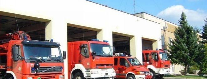 Pożar w hurtowni zniczy przy ulicy Pszczyńskiej. Przyczyną przewrócony lampion, archiwum