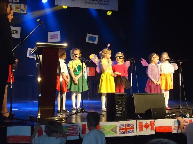 Przedszkolaki pięknie śpiewają w języku angielskim, materiały prasowe