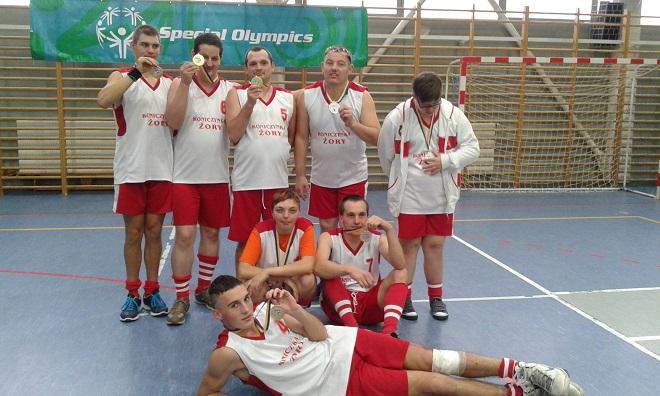 Drużyna KOS Koniczynka Żory zwyciężyła XVIII Regionalny Turniej Koszykówki Olimpiad Specjalnych w Rybniku