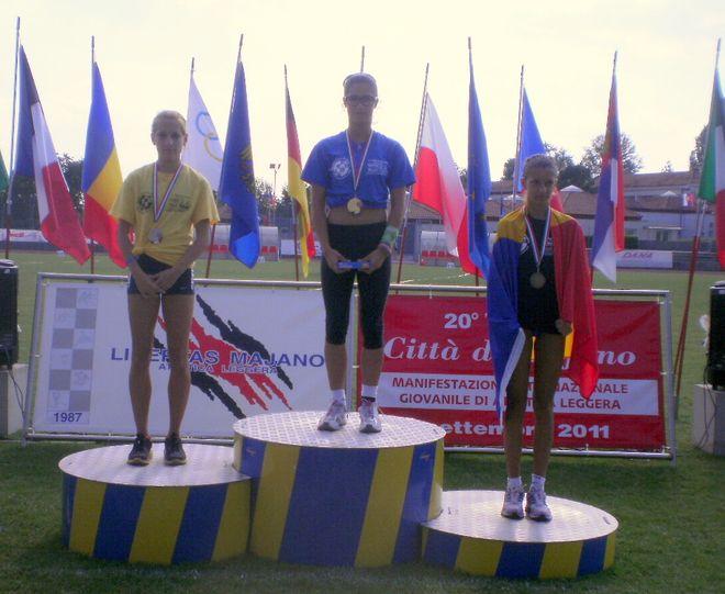 Ewa Swoboda na podium mityngu w Majano