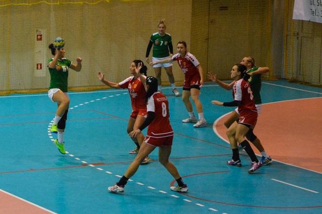 Piłkarki ręczne MTS-u Żory przegrały mecz ligowy z SPR-em Olkusz i na 4 mecze przed końcem sezonu pozostają w strefie spadkowej