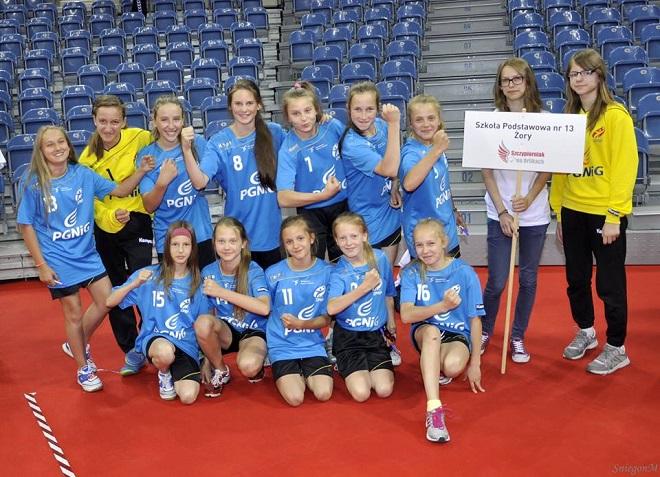 Szkoła Podstawowa nr 13 w Żorach we współpracy z klubem MTS Żory zapraszają dziewczyny z klas trzecich na nabór do klasy mistrzostwa sportowego