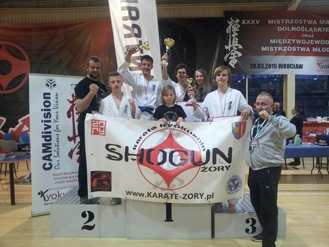 Zawodnicy Klubu Sztuk Walki Shogun Żory wrócili z medalami z zawodów karate kyokushin, które odbyły się 20 marca we Wrocławiu