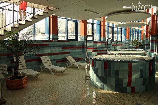 W Aquarionie możemy skorzystać z kąpieli borowinowych i aromatyzowanych.