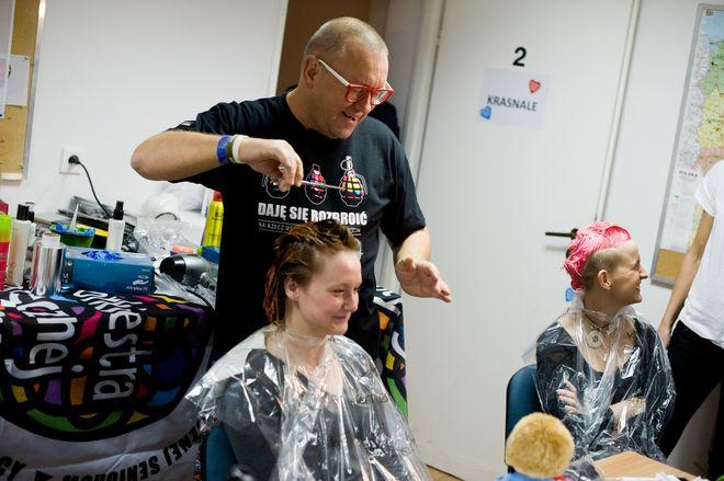 Dzisiaj dla WOŚP zagrają również fryzjerzy z dwóch żorskich salonów, mat. prasowe