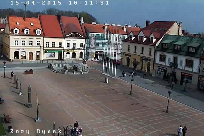 http://tuzory.pl/pliki/newsy/wiadomosci/kamera_umz_rynek.jpg