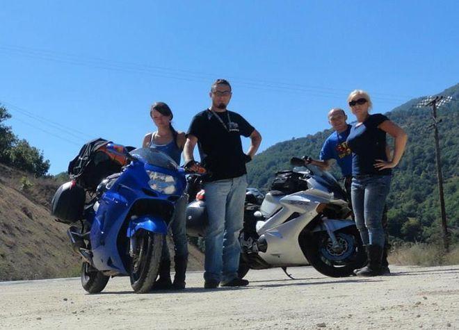 Motocykliści w komplecie: Aleksandra Kowolik, Tomasz Buchalik, Marek i Monika Szopa.