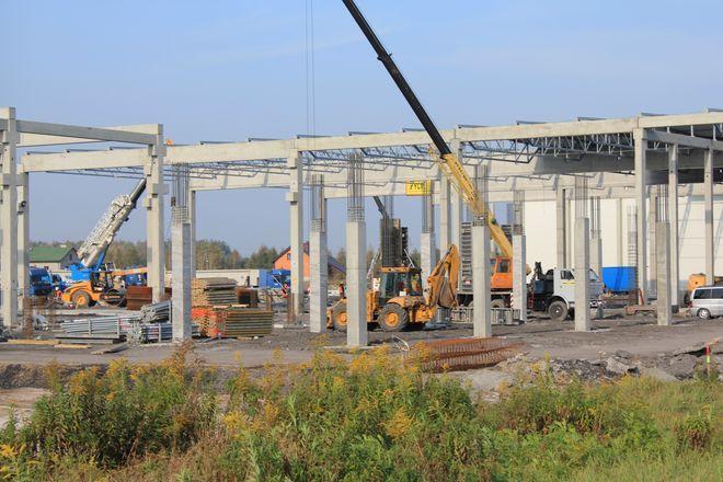 Z placu budowy przy fabryce Nifco zniknęły kosztowne narzędzia.