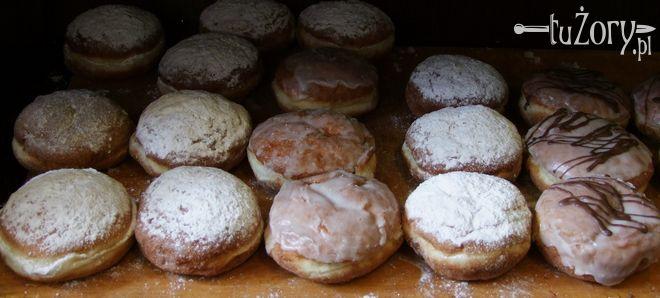 """Pączki z piekarni """"Witoszek"""" przy ul. Moniuszki znają i cenią wszyscy żorzanie."""