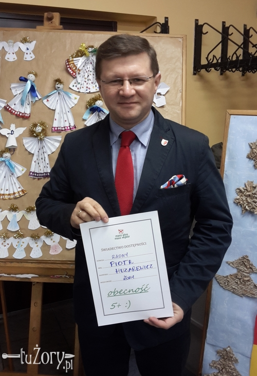 Piotr Huzarewicz dyżuruje dla mieszkańców trzy razy w miesiącu - na os. 700-lecia, w Rowniu oraz w Urzędzie Miasta na Rynku