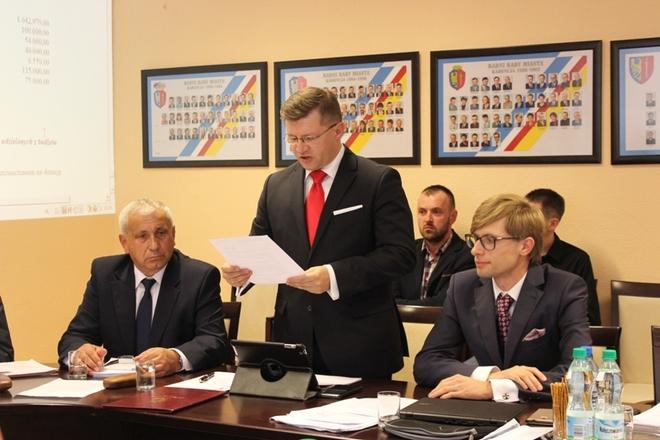 Po 10 miesiącach trwania rankingu na 1. miejscu ex aequo znajdują się Piotr Huzarewicz (środek) i Jacek Miketa (po prawej)