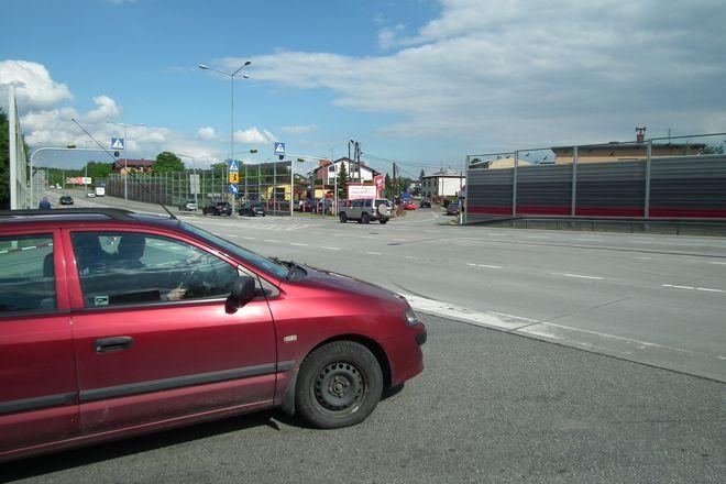 Kończą się problemy mieszkańców ulicy Leśnej z wydostaniem się z domu - czy to samochodem czy pieszo.