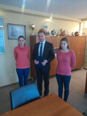 Uczennice CKZiU na spotkaniu z Waldemarem Sochą