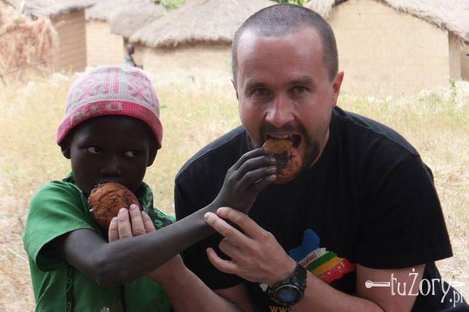 Przyłącz się do akcji i wyślij pączka z Żor do Afryki!, Facebook, Benedykt Pączka